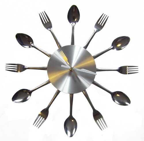 excellent voici notre slection duhorloges pour dcorer votre intrieur with pendules de cuisine. Black Bedroom Furniture Sets. Home Design Ideas