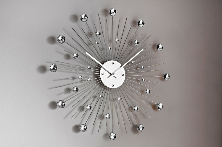 Horloges murales design originales frenchimmo for Pendule originale pour cuisine