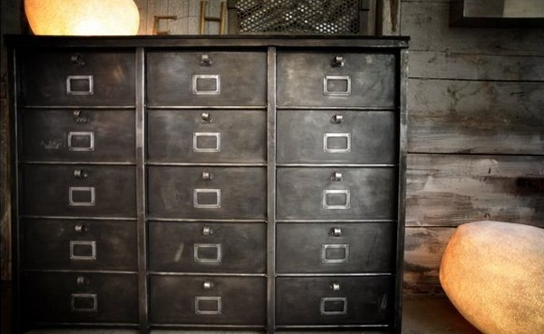 ou trouver des meubles industriels bande transporteuse. Black Bedroom Furniture Sets. Home Design Ideas