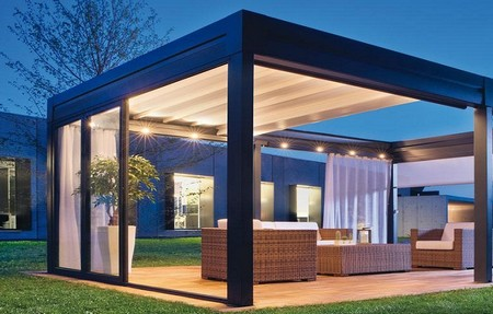une pergola bioclimatique en aluminium contre le soleil. Black Bedroom Furniture Sets. Home Design Ideas