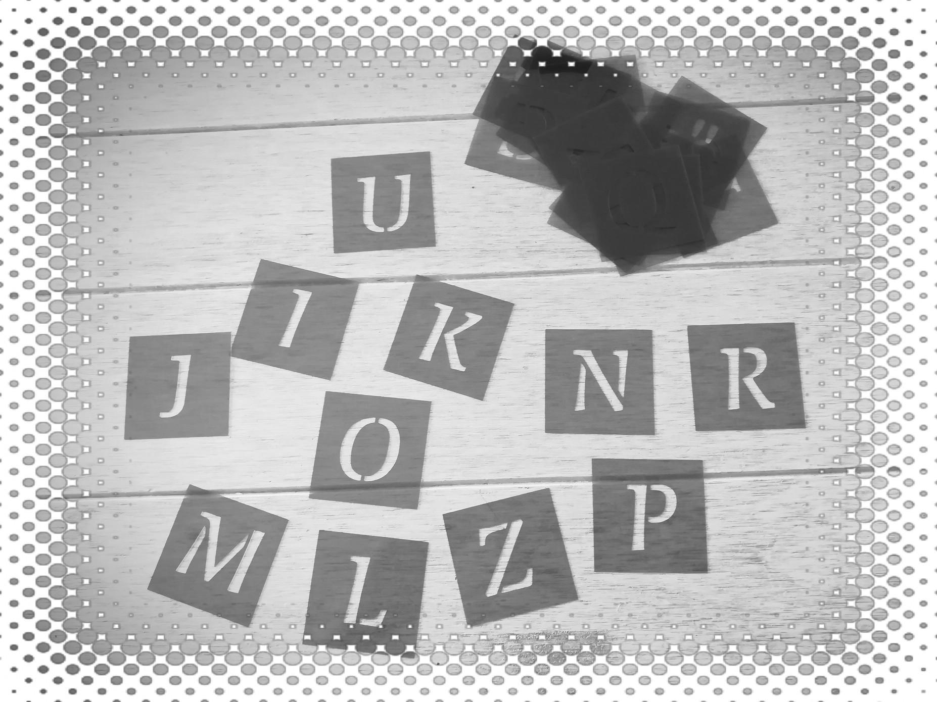 Pochoir alphabet en plastique réutilisable